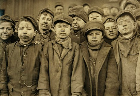 01child_labor_united_states_lewis_hines_roll