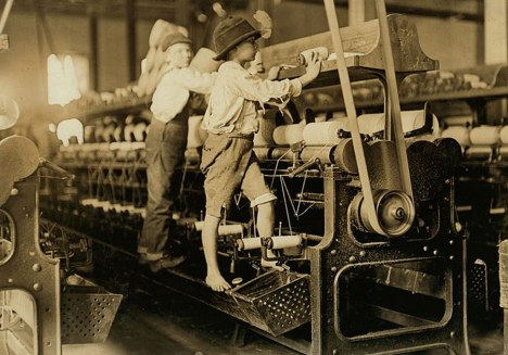02child_labor_united_states_lewis_hines_roll