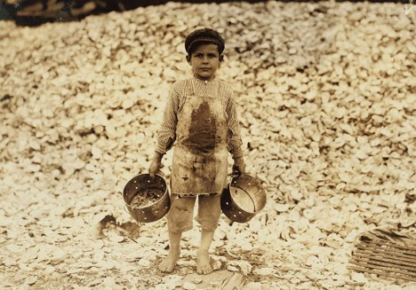 03child_labor_united_states_lewis_hines_roll