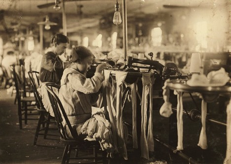 05child_labor_united_states_lewis_hines_roll