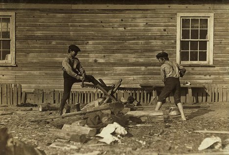 12child_labor_united_states_lewis_hines_roll