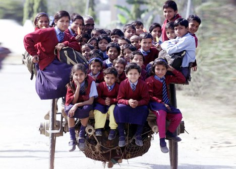 children-going-to-school-around-the-world-DelhiIndia