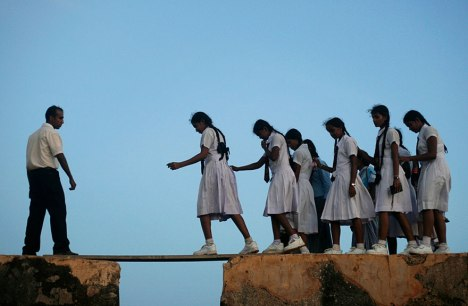 children-going-to-school-around-the-world-Sri Lanka